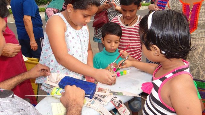 Enthusiastic kids at a workshop on upcycling conducted by Upcycle Craftz. Photo courtesy: Upcycle Craftz