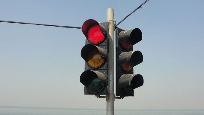 A traffic signal in Tamil Nadu. Pic: Thamizhpparithi Maari (via Wikimedia)